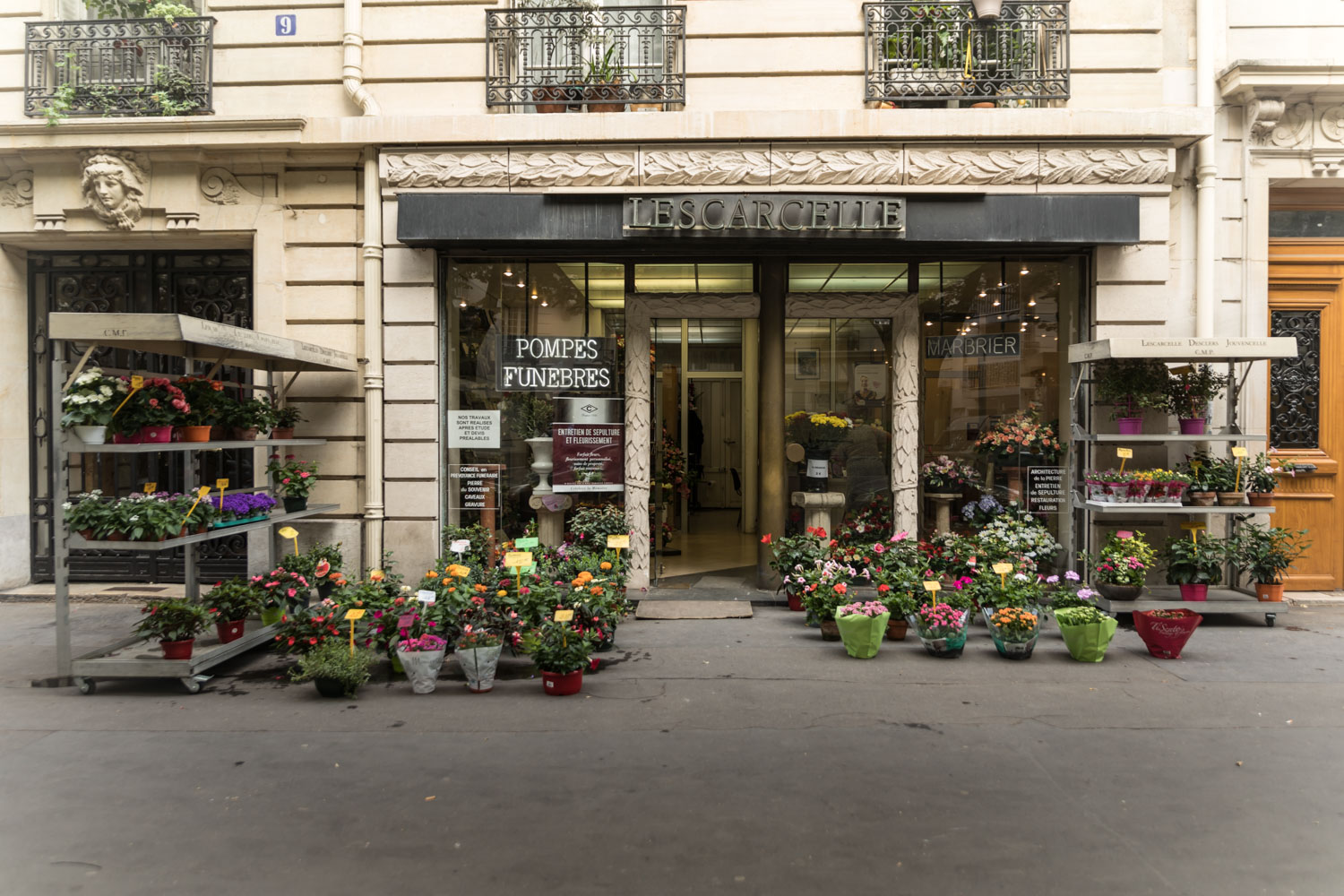 photo agence lescarcelle paris 18 montmartre